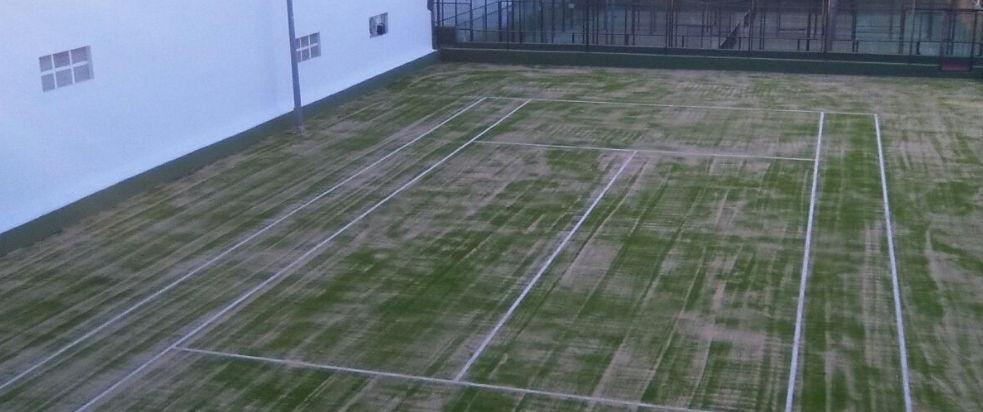 Pista de tenis cesped Hotel Jardín Tecina